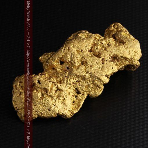 97.3gと超大型の色と形の美しい自然金-g0239-11