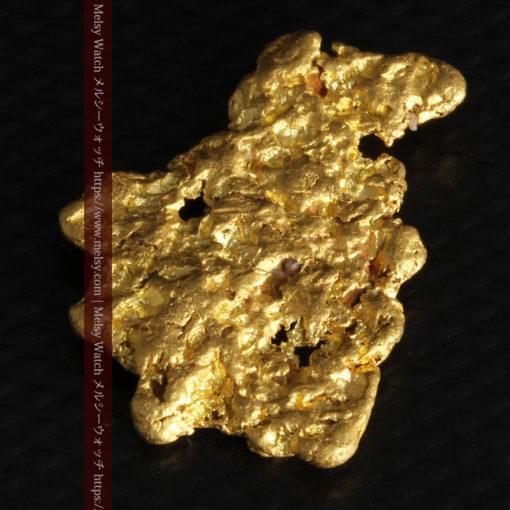 5.51gの戴冠した女王の横顔のような自然金-G0242-10