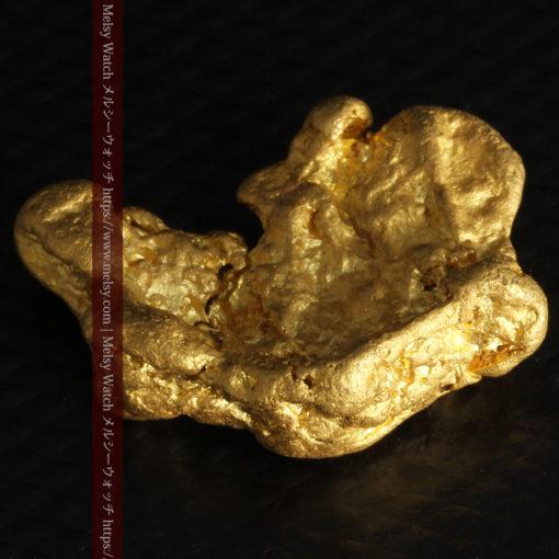 9.89gの自然金らしい丸みと厚みのある自然金-G0243-11