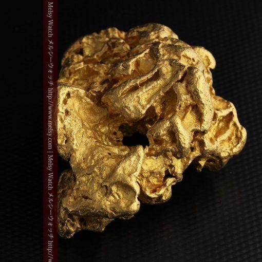 231gの天然のジュエリーのように光り輝く超大型自然金-g0251-15