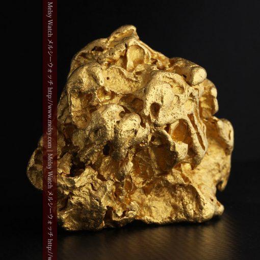 231gの天然のジュエリーのように光り輝く超大型自然金-g0251-2