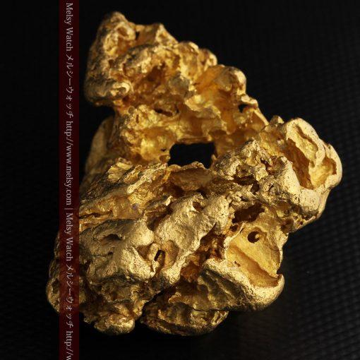 231gの天然のジュエリーのように光り輝く超大型自然金-g0251-24