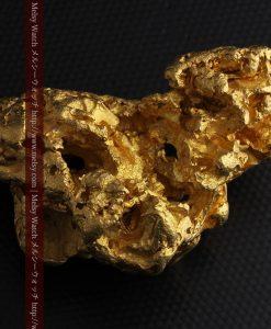 231gの天然のジュエリーのように光り輝く超大型自然金-g0251-28