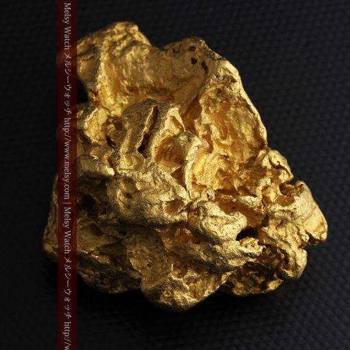231gの天然のジュエリーのように光り輝く超大型自然金-g0251-30