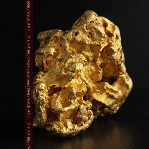 231gの天然のジュエリーのように光り輝く超大型自然金-g0251-4