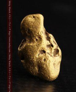 2.17gの愛嬌ある姿の自然金-g0256-2