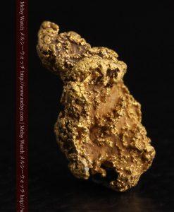 1.91gの座った犬のような形をしている自然金-g0264-2