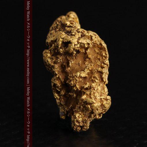 1.91gの座った犬のような形をしている自然金-g0264-3