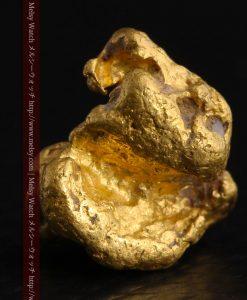 4.1gの小粒ながら重量感も楽しめる自然金-g0266-2