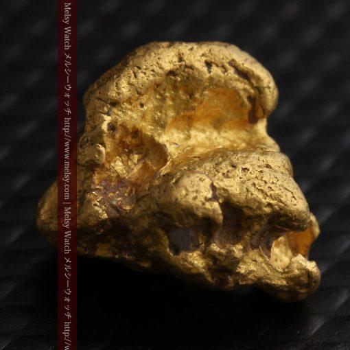 4.1gの小粒ながら重量感も楽しめる自然金-g0266-5