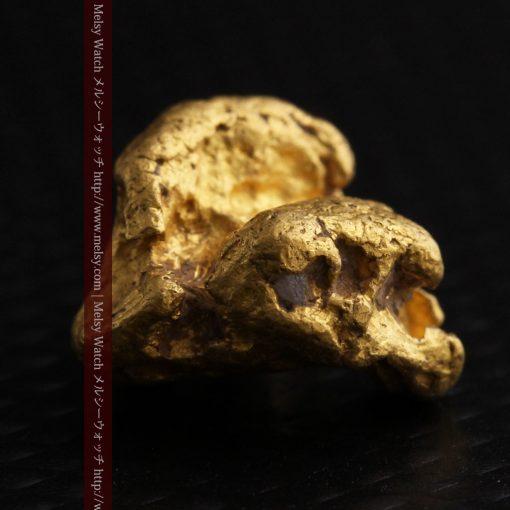 4.1gの小粒ながら重量感も楽しめる自然金-g0266-7