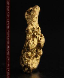 2.26gのねずみ・兎のような形の自然金-g0270-4