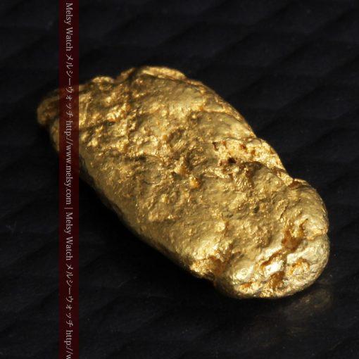 1.15gのスイカの種のような形の平らな自然金-g0272-6