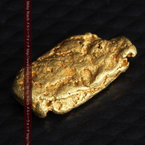1.15gのスイカの種のような形の平らな自然金-g0272-8