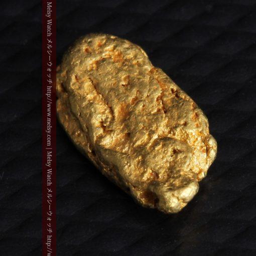 1.15gのスイカの種のような形の平らな自然金-g0272-9