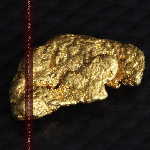 1.34gの物語りのお月さまのような平らな自然金-G0273-5