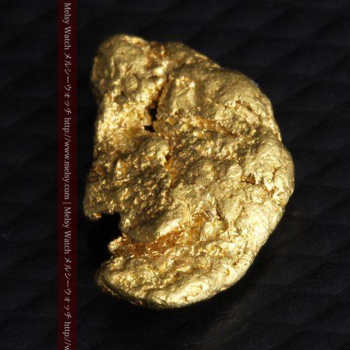 1.34gの物語りのお月さまのような平らな自然金-G0273-6