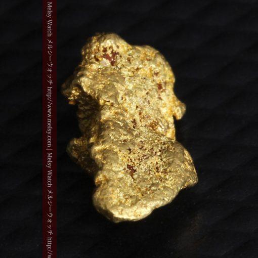 1.14gの縦長で小粒の自然金-g0275-5