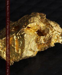 2.15gのちょっと珍しい角ばった自然金-G0277-5