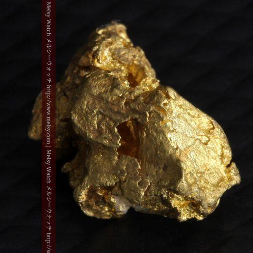 2.15gのちょっと珍しい角ばった自然金-G0277-9