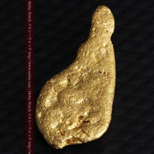 2.45gの瓢箪のような形の愛嬌ある自然金-G0278-7
