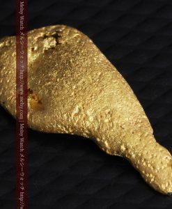 2.45gの瓢箪のような形の愛嬌ある自然金-G0278-8