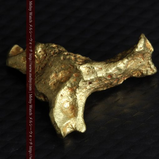 4.39gの三つ又の特殊な形の自然金-g0285-9