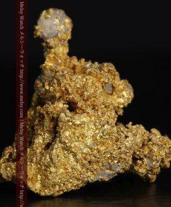 4.82gの小さな石英の粒と繊細な金の繋がりの自然金-g0289-2