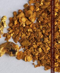 2.68gの小さな砂金・薄片金とやや粒の大きな自然金2点-G0337-3
