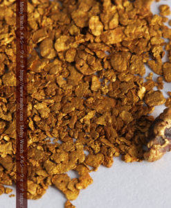2.93gの小さな砂金・薄片金とやや粒の大きな自然金2点-G0338-7
