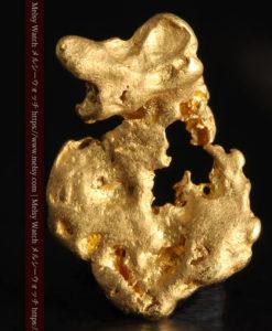 1.50gの色々な姿を想像していただける形の自然金-G0359-2