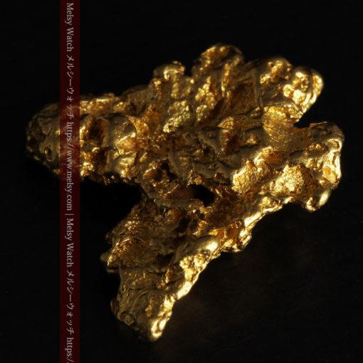 6.73gの羽を広げる蝶のような形の綺麗な自然金-G0364-10