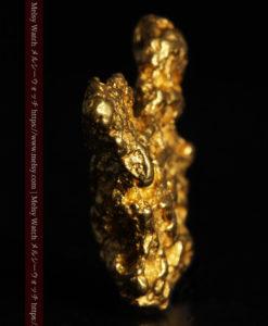6.73gの羽を広げる蝶のような形の綺麗な自然金-G0364-3