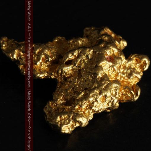 6.73gの羽を広げる蝶のような形の綺麗な自然金-G0364-6