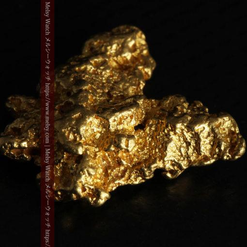 6.73gの羽を広げる蝶のような形の綺麗な自然金-G0364-8