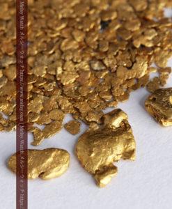 3.26gの小さな薄片金とやや粒の大きな自然金3点-G0388-5