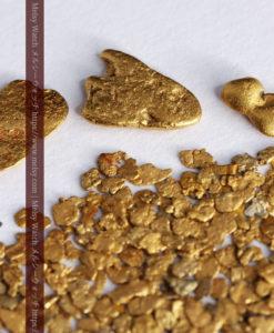 3.09gの小さな薄片金とやや粒の大きな自然金3点-G0389-7