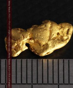 1.89gの泳ぐ魚のような形の自然金-G0390-13