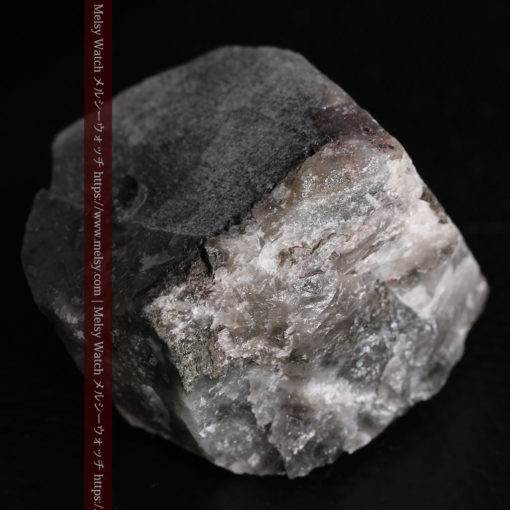 33.7gの大きな石英の谷間に走る綺麗な自然金-G0399-13