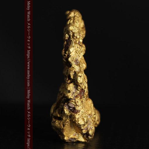 12.32gの色や模様など多くの特徴ある表面の自然金-G0421-4