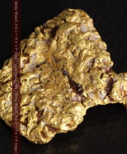 12.32gの色や模様など多くの特徴ある表面の自然金-G0421-9