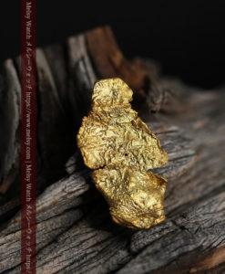 0.67gの非常に薄い面の大きな薄片金・自然金-G0426-3