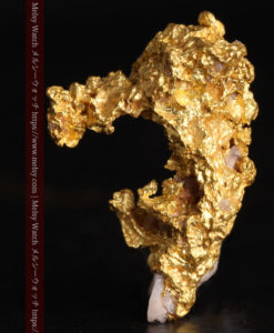 3.04gの咆哮する黄金色に輝く竜のような形の自然金-G0443-1