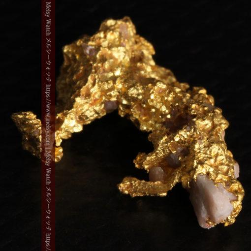 3.04gの咆哮する黄金色に輝く竜のような形の自然金-G0443-13