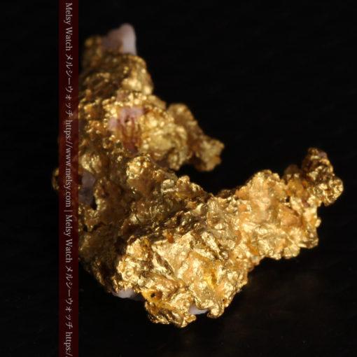 3.04gの咆哮する黄金色に輝く竜のような形の自然金-G0443-15