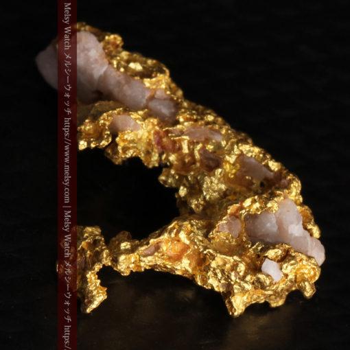 3.04gの咆哮する黄金色に輝く竜のような形の自然金-G0443-9