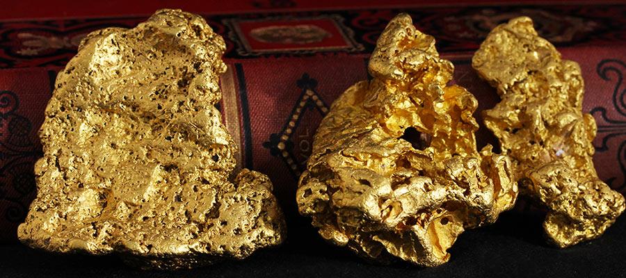 大きな自然金